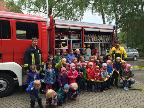 Freiwillige Feuerwehr zu Besuch im Kindergarten